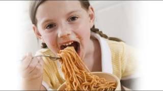 Qué hacer con los niños que comen demasiado rápido
