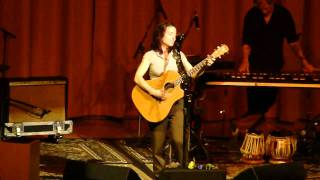 Ani DiFranco - Unrequited (live in Grass Valley)