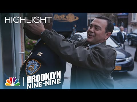 Brooklyn Nine-Nine 2.09 (Clip 'Holt Has a Question for Charles')