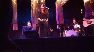 Alanis Morissette - Utopia (Live @ Agape, Culver City, CA, 8/7/2010)