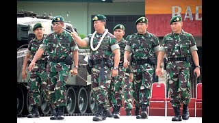 Download Video Pangkostrad Letjen TNI Andika Perkasa mengunjungi Markas Yonkav 1 Kostrad MP3 3GP MP4