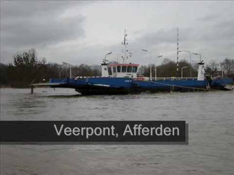 Hoogwater van de Maas - vanaf het water