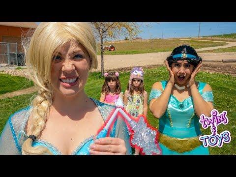 OH NO! Frozen Elsa's MAGIC WAND is Broken!!