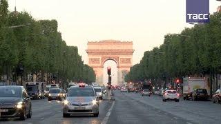 В Париже после перестрелки открыт доступ на Елисейские поля