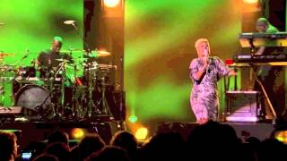 Emeli Sandé - Where I Sleep / One Love / No Woman, No Cry (Live at iTunes Festival 2012)