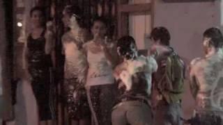 preview picture of video 'Galápagos y su Gente, Puerto Ayora, Carnaval (I Parte) 14-02-2010'