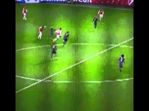 Yaya Sanogo amazing pass to the Ox in the first half  Arsenal vs Bayern Munchen 19/02/2014