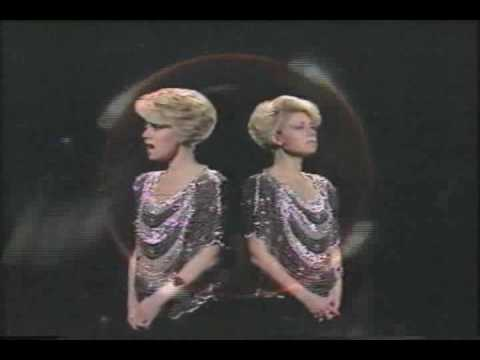 Elaine Paige - The windmills of your mind