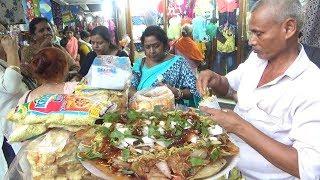 People Enjoying Shopping with Papri Chaat & Jhal Muri | Street Food Kolkata Gariahat More | Kholo.pk