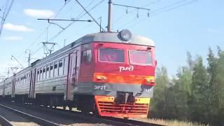 ЭР2Т 7191 сообщением КАЛИЩЕ—СПБ-БАЛТ.На перегоне СЕРГИЕВО—СОСНОВАЯ ПОЛЯНА.на 2 пути.