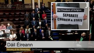 TDs refuse to stand during Dáil prayer