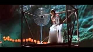 Om Shanti Om - Main agar kahoon [Lyrics] - YouTube