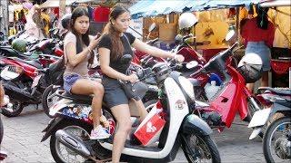 Girls and Streetfood on Soi Buakhao, Pattaya
