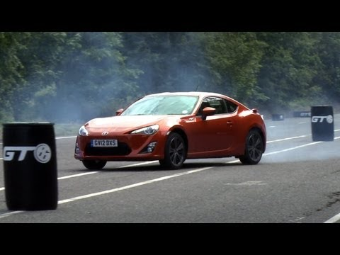 Toyota GT86, Scion FR-S - drift challenge by www.autocar.co.uk