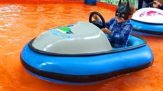 Батман Адам Тестирует Машины Batman Adam Testing Cars