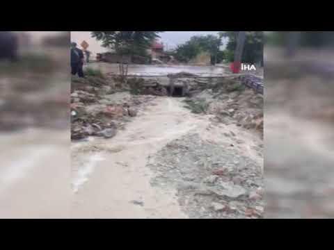 Korkuteli'nde korkutan yağış