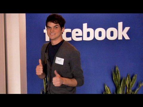 Julian Smith - Prohlídka Facebooku