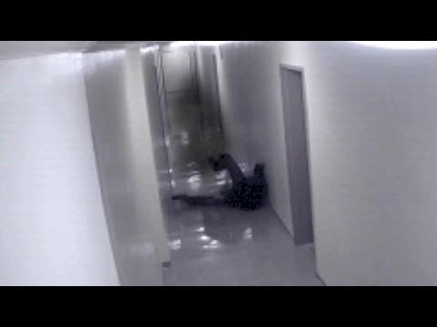 Ma tấn công và kéo lê người dọc hành lang, ghê vl @@