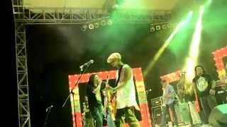 Steven Jam - Sangat Menyenangkan (Live In Jakarta Reggae Movement)