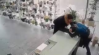 Драка в цветочном магазине в Казани