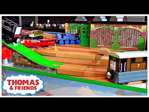 , title : 'Thomas & Friends Play Table Wooden Railway Toby | Playing with Fun Toy Trains for Kids'