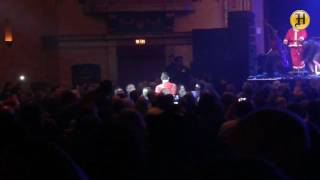 """Chris Isaak sings """"Blue Christmas"""" at State Theatre in Monterey."""