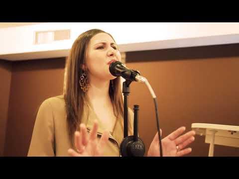 Erika Mangiacotti Voce solista duo/trio acustico Nova Milanese Musiqua