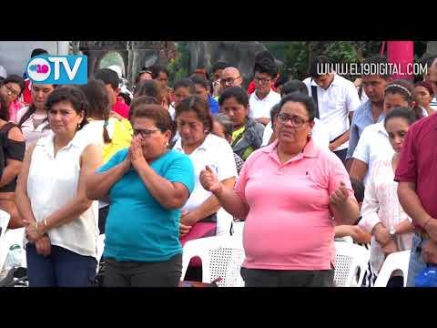 Masayas oran y claman por la paz de Nicaragua