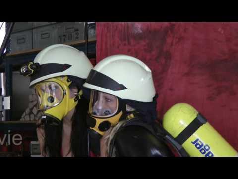 Die Mädels unter Atemschutzmasken