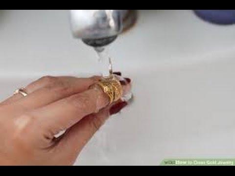 Wie zu reinigen Goldschmuck