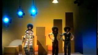 Johnny & Orquestra Rodrigues - Hey Mal Yo