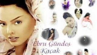 Ebru Gundes Resimleri