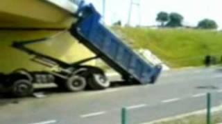 preview picture of video '21.06.2006 r. wypadek Dobrodzień'