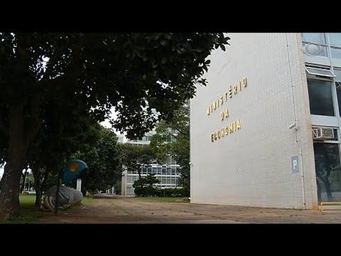 Bolsonaro assina pente-fino em benefícios do INSS