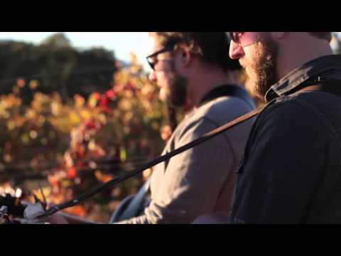 Bonnie & the Bang Bang - in a vineyard - song Play Dead