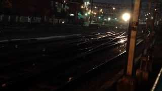preview picture of video 'Entering Howrah Station Platform in Kolkata by Local Train.'