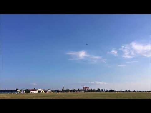 Blaník L-13TJ s proudovým motorem při předváděcím letu. Video: Flying Revue, Blaník Aircraft CZ