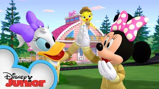 Minnie's Dream Home 🏠 | Mickey Mornings | Mickey Mouse Mixed-Up Adventures | Disney Junior