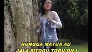 Download lagu Putri Silitonga Uju Dingolukkon Ma Nian Mp3