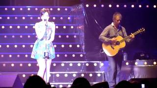 Naive (Kooks Cover), By Lily Allen (@ Lotto Arena, October 2009) [HD]