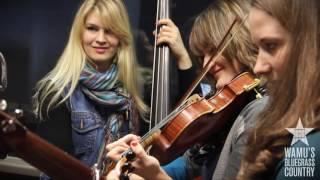 Della Mae - Turtle Dove [Live at WAMU's Bluegrass Country]