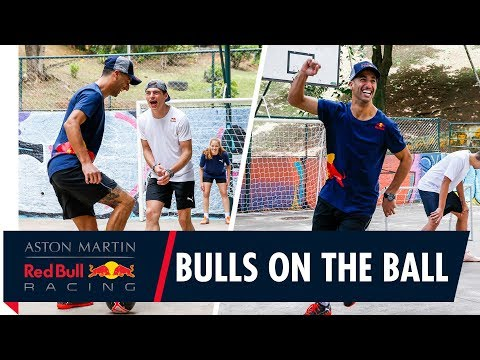 Kickin' it on the court | Max Verstappen and Daniel Ricciardo get a futsal masterclass in São Paulo