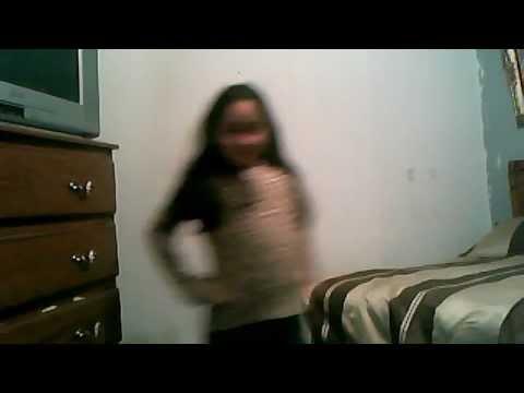niña de 8 años bailando lady gaga