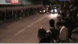 Уличный гонщик врезался в толпу людей