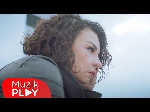 Fatma Turgut - Günleri Bağlarken (Official Video) Sözleri