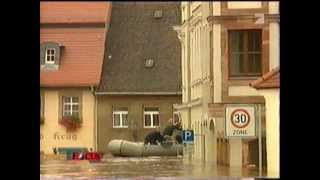 preview picture of video 'Hochwasser in Grimma 13.08.2002'