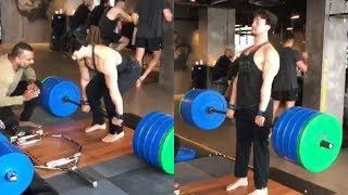 WATCH Tiger Shroff Deadlifts 200KG With EASE Leaves Everyone SHOCKED!