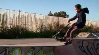 preview picture of video 'Mis Incios en patinetes con 9 años ( GERARD MOLINA )'