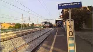preview picture of video 'Il Bicocca  - Milano sm.to in transito alla stazione di Orbetello M.A.  - E655-279 (HD)'