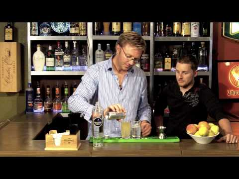 Video How to make a Vodka Red Bull cocktail - Drink recipes from The One Minute Bartender